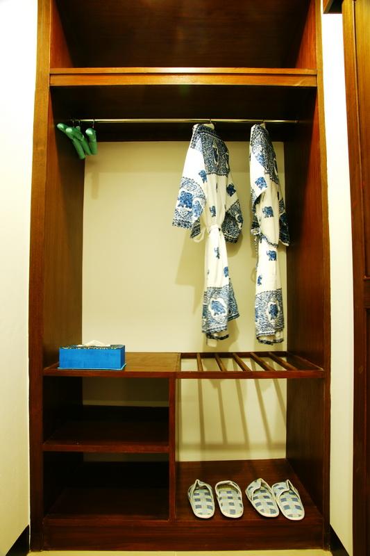 Suite_room_12